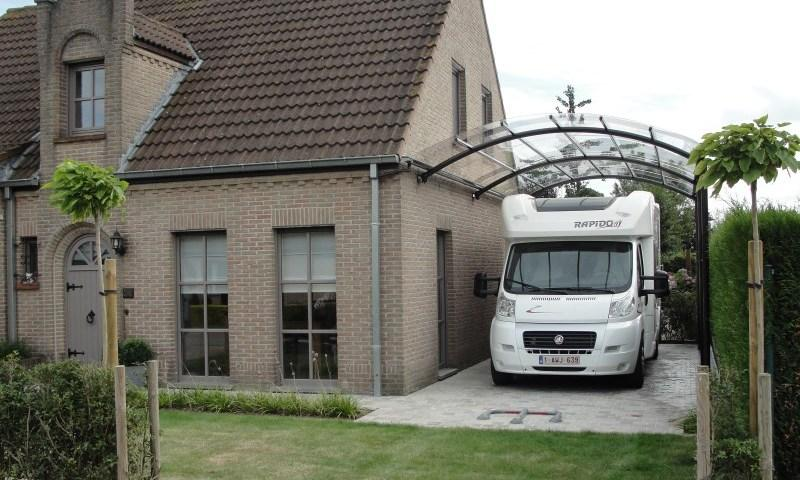 carport caravan of mobilhome
