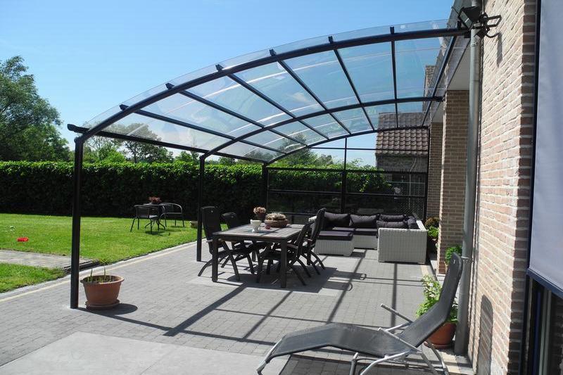 Win deze zomer extra ruimte dankzij een terrasoverkapping bozarc - Organiseren ruimte voor een extra ...